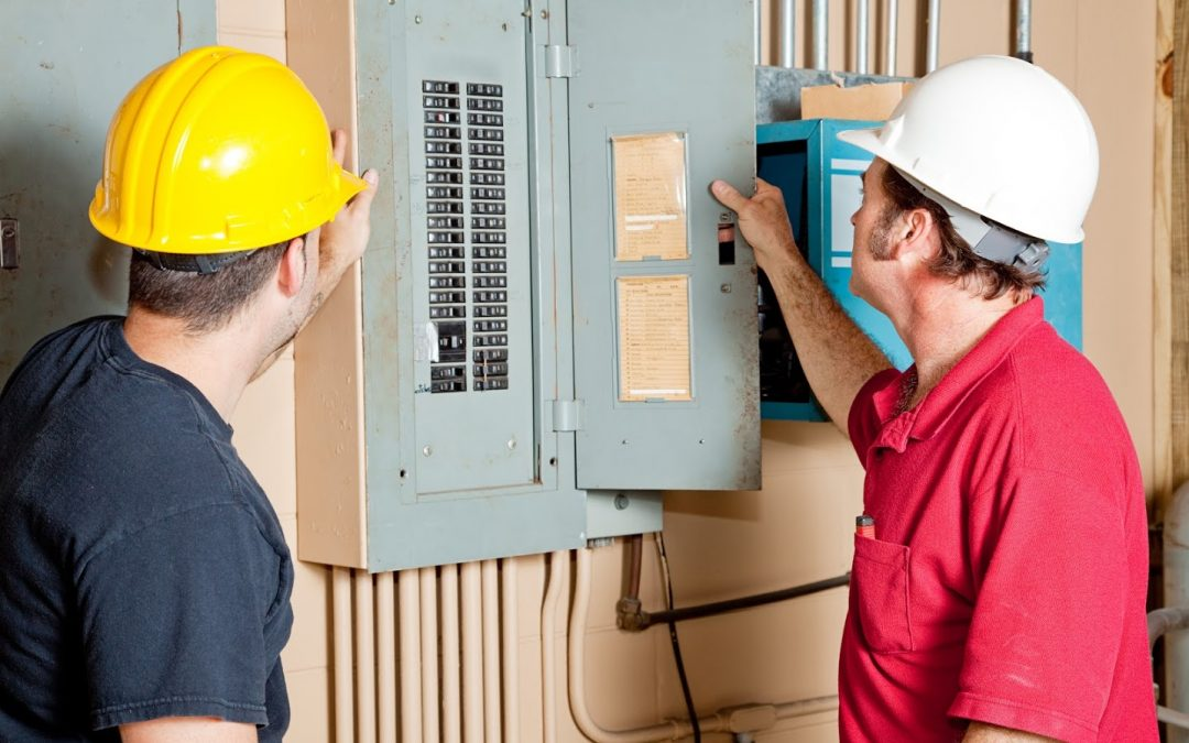 Want to Train as an Electrician? Learn What to Look for in an Apprentice Program