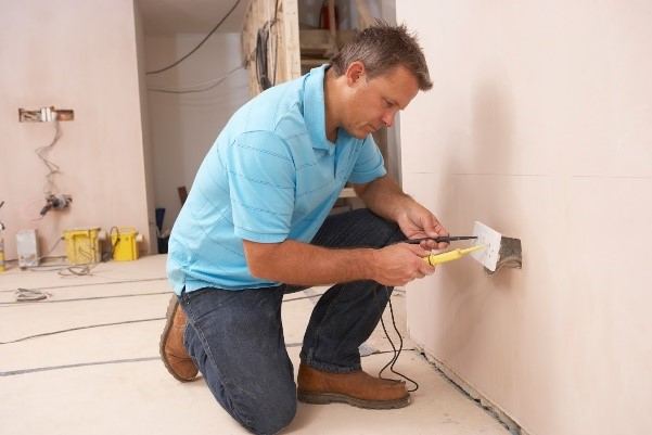 Lesser-Known Reasons to Become an Electrician