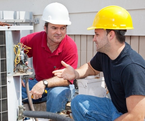 4 Advantages of an Electrician Apprenticeship Program