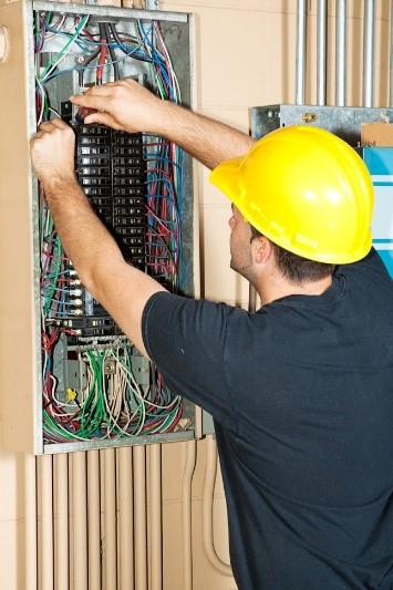 What to Expect From an Electrician Apprenticeship